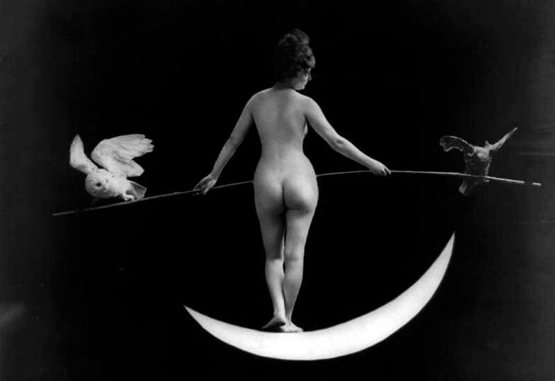Nude photography of naked woman: Night (1895)